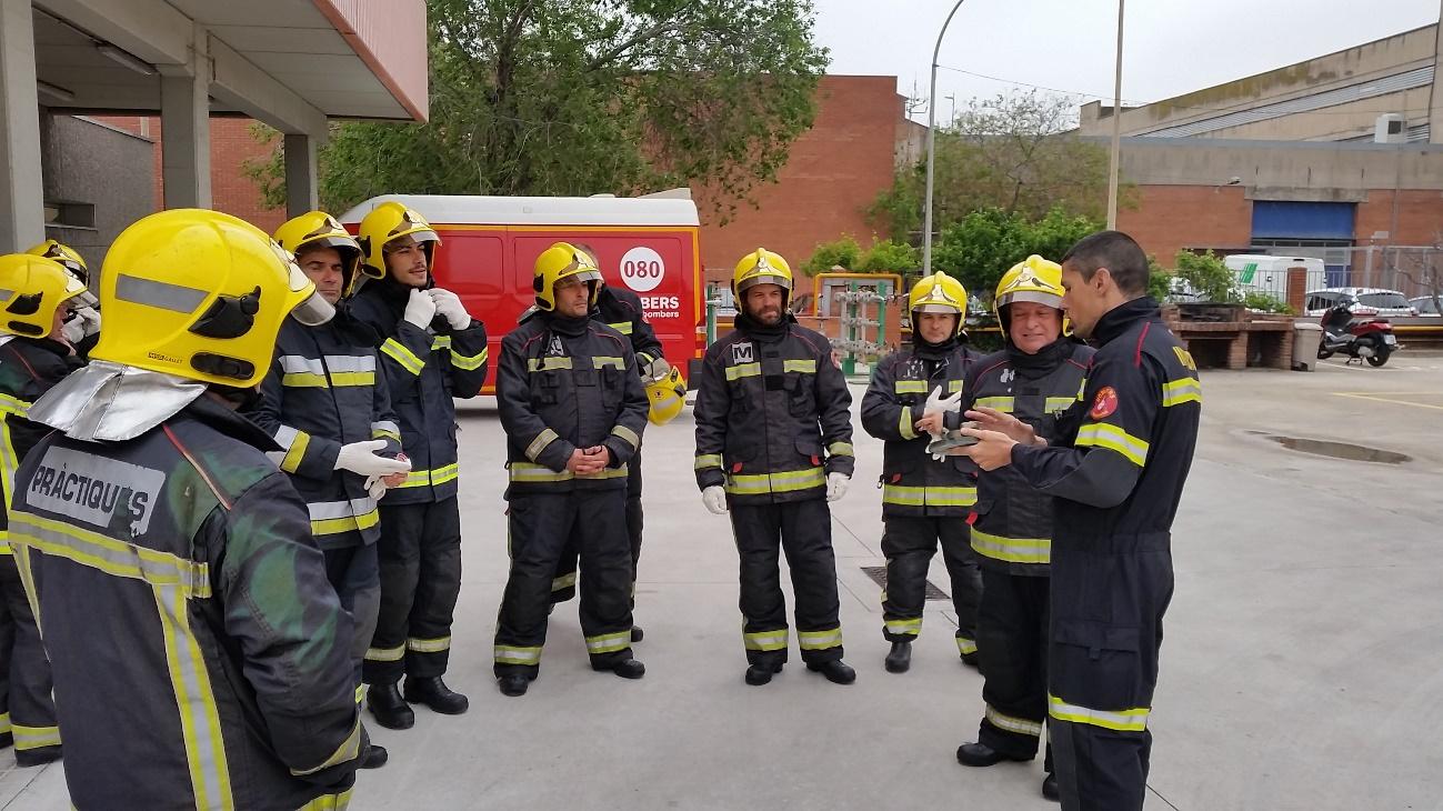 prácticas contra incendio en campo de fuego - Escola Port Barcelona