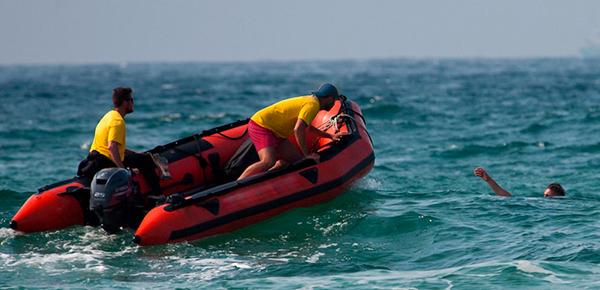 PER PROFESIONAL -  Escola Port - Embarcaciones de socorrismo en playas